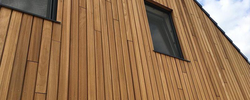 استفاده از نمای ترکیبی سنگ و چوب ساختمان های مدرن